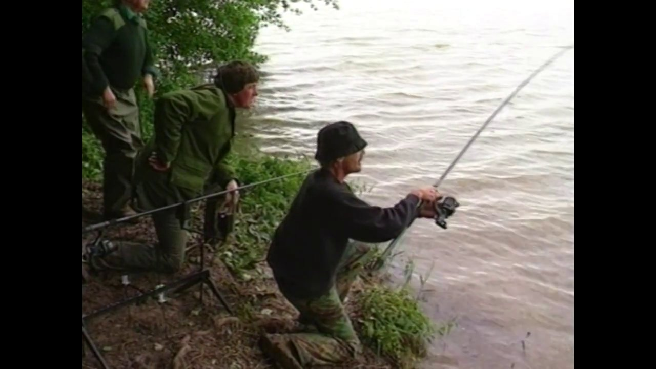 Catfish Expedition - Richard Gardner lands a big European Catfish
